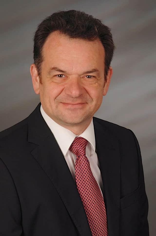 Dr.-Ing. Reinhard Pfendtner